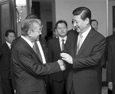 前高官讲述APEC:曾促江泽民与克林顿首次会见